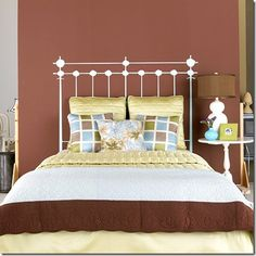 Falsa cabeceira de cama feita com pintura