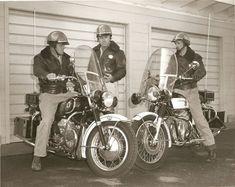 Motorcycle Stickers, Motorcycle Seats, Motorcycle Shop, Motorcycle Style, Vintage Motorcycles, Harley Davidson Motorcycles, Cars And Motorcycles, Moto Guzzi California, Guzzi V7