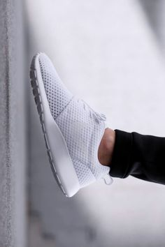 LOUISA nextstopfw | black white outfit fashion streetstyle minimal classic chic shoes nike roshe run