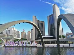 🇨🇦 Nathan Phillips Square | Toronto, Ontario, Canada