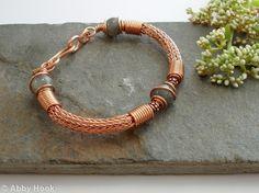 Torcesque - Labradorite and Copper bracelet