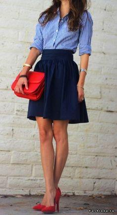 Уличные модницы в женственных юбках