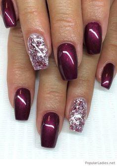 Shining burgundy gel nails #PopularLadiesHairstyles
