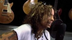"Linda Perry ""It F*cking Hurts"" At: Guitar Center - First time hearing this... it's really good. >><<"