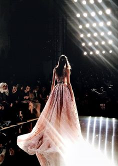Zuhair Murad Spring/Summer 2016 Haute Couture at Paris Fashion Week. Couture Mode, Couture Fashion, Runway Fashion, Fashion Show, Fashion Design, Dress Fashion, Paris Couture, Net Fashion, Fashion Clothes