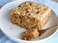 comida de quinta: bolo de cardamomo com crocante de nozes