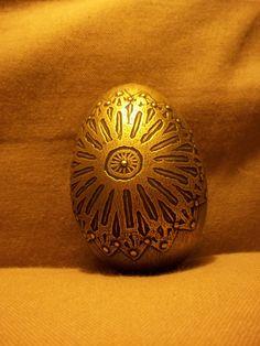 Acid etched goose eggshell, aged gold patina