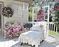 Junk Chic Cottage: Dreaming In Color