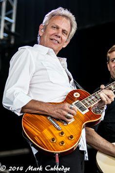 Bernie Leadon, Randy Meisner, Eagles Band, Glenn Frey, Hotel California, Gibson Guitars, American Music Awards, Types Of Music, Les Paul