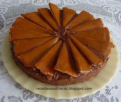 Criada em 1884 pelo confeiteiro húngaro József Dobos com o objetivo de ter sempre um bolo mais duradouro em seu estabelecimento – naquela é...