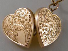 c1880 9K TRUE LOVE Victorian Gold Locket Vintage Antique Rose Gold Floral Heart Locket Necklace Wedding Anniversary Birthday Gift Jewelry
