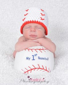 My baseball beanie Crochet Things, Knit Crochet, Crochet Hats, Baby Boy Baseball, Baseball Photos, Diaper Covers, Baby Portraits, Portrait Ideas, Baby Boy Newborn