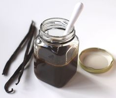 Healthy Homemade Vanilla Bean Paste - Healthy Dessert Recipes at Desserts with Benefits - going to be so good for the baking!