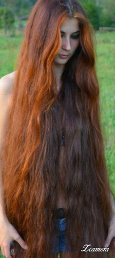Lange Haare - Trendfrisuren Frank, akkurater Mittelscheitel oder This particular Really Long Hair, Long Red Hair, Super Long Hair, Face Shape Hairstyles, Straight Hairstyles, Girl Hairstyles, Rapunzel Hair, Beautiful Long Hair, Stylish Hair