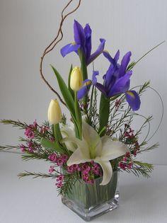 Floral Design Department #myflowerland www.myflowerland.com Easter Flower Arrangements, Flower Vases, Floral Arrangements, Ikebana, Contemporary Flower Arrangements, Altar Flowers, Floral Centerpieces, Design Crafts, Spring Flowers