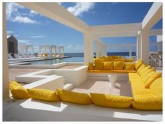 MOON beachclub Curacao