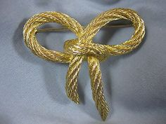 Christian Dior Signed Designer Vintage Gold Twisted Bowtie Bow Brooch Pin