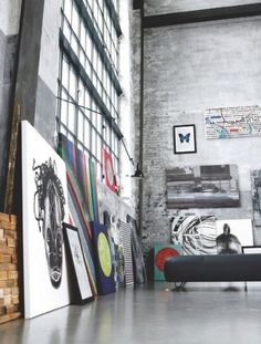 Amazing art studio space. Would love to create in this space.