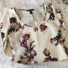 Floral Mini Dress Worn once and in perfect condition. Forever 21 floral dress, size medium. Looks fantastic with the pink heels I also have in my closet :) Forever 21 Dresses Mini