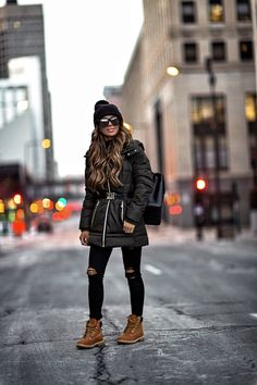 18 DEC 2017 Where To Score Affordable Yet Chic Outerwear Outfit Details: Michael Kors Pom Pom Beanie Vince Camuto Puffer Coat Calvin Klein Honeycom Winter Outfits For Teen Girls, Winter Mode Outfits, Winter Outfits Women, Winter Fashion Outfits, Autumn Winter Fashion, Fall Outfits, Winter Chic, Snow Fashion, Cold Weather Outfits