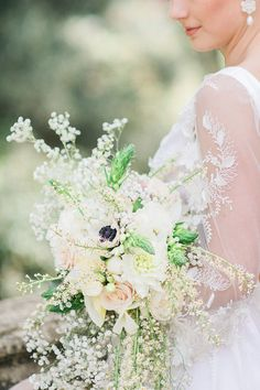Pastel bridal bouque