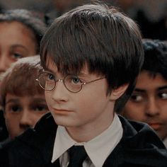 Harry Potter Icons, Harry James Potter, Daniel Radcliffe, Series Movies, Film, Random Pictures, Hogwarts, Cherry, Wallpapers