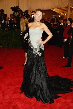 18077e2cc Blake Lively Blake Lively Style, Red Carpet Party, Met Gala Red Carpet,  Strapless