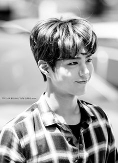 park bo gum 박보검 朴寶劍 do not crap/edit. give credit to rightful owner
