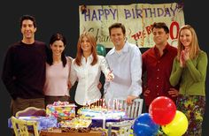 Interesantes frases de cumpleaños para amigos Ve más ideas interesantes en IdeasDeEventos.com