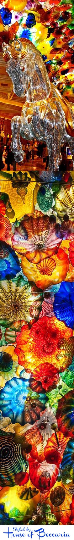 ~The ceiling in the lobby of the Bellagio Casino in Las Vegas is adorned with 2,000 hand-blown glass flowers - the Fiori di Como - created by world-renowned artist, Dale Chihuly | House of Beccaria