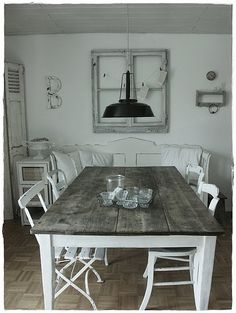 love it love it  love it............ - shabby chic dining room // #Ilipi