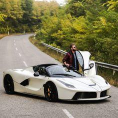Ferrari-LaFerrari-Aperta-Josh-Cartu-16.jpg (immagine JPEG, 1600×1600 pixel)