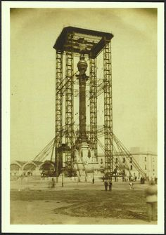 Monument to Christopher Columbus under construction in 1887 (Barcelona, Spain). Old image on new postcard by MUHBA (Museu d'Història de Barcelona).