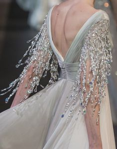 Die Mode seiner Liebe - The Fashion of His Love Georges Hobeika Couture Herbst 2018 Runway Details Georges Hobeika, Couture Fashion, Gypsy Fashion, Bridal Fashion, Runway Fashion, Couture Dresses, Fashion Dresses, Best Wedding Dresses, Fashion Details