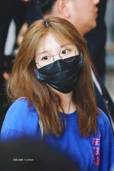 New Dp, Mirrored Sunglasses, Sunglasses Women, Pretty Korean Girls, Mask Girl, Yu Jin, Japanese Girl Group, K Idol, Girl Bands