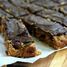 Dark chocolate almond bars