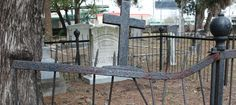 tampa cemetery2 Reader Submissions: 3 True Ghost Stories