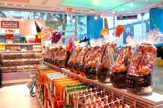 dylans-candy-bar1.jpg 556×370 pixels