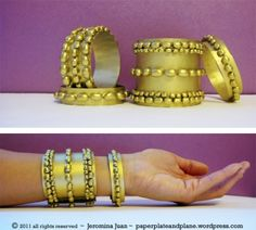 Brazaletes de oro con judias! Perfecto para un brazalete de disfraz. Hola Cleopatra!   -   Gold bean bangles! Perfect for a disposable costume bangle, hello Cleopatra!
