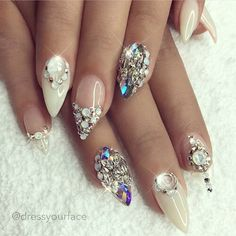 Trendy stiletto nails design in spring 2019 Wedding Nails For Bride, Bride Nails, Wedding Nails Design, Glitter Wedding, Bling Wedding Nails, Bling Bling, Jamberry Wedding, Wedding Day Nails, Mauve Wedding