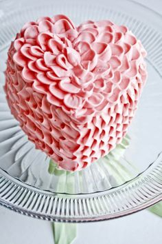 ruffled heart cake.
