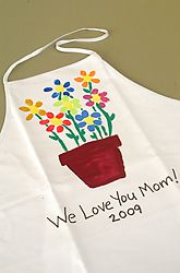 "Paint a ""Thumbprint Bouquet"" on a plain apron -- fun, inexpensive gift for Mom!"