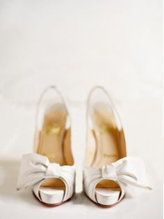 White Bow Christian Louboutin pumps - #bride #weddingshoes #weddingchicks http://www.weddingchicks.com/2014/01/31/italian-dream-wedding-ideas/