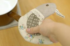 Bird pot holder.  Link to PDF pattern and instructional drawings.