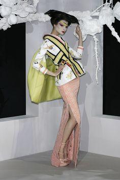 John Galliano for The House of Dior, Spring/Summer Haute Couture Jhon Galliano, Galliano Dior, Dior Fashion, Kimono Fashion, Fashion Art, Fashion Outfits, Moda Cyberpunk, Cyberpunk Fashion, Christian Dior Couture