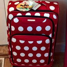 I came home to such a great surprise! Thanks @disneymoms and @AmTourister for this amazing gift! I am sure it will be great for travel to The Disney Media Moms Conference!  #disneysmmc #disneygram #instadisney #disneyparks #pixiedust #wdw #mickey #mickeymouse #waltdisneyworld  #disneyfan #disneyworld #disney #dis #igdisney #disneyside #PackMoreFun by thesusansimon