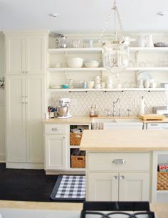 love the backsplash tile