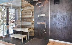 Luxus meets Alpenstil - grifflose Küche trifft auf rustikales Altholz | Immobilien ab 1 Mio Euro Future House, My House, Bath Tube, Living Styles, Home Spa, Basement Bathroom, Lamp Light, Bathing, Sweet Home