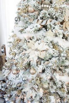 How to decorate a flocked Gold and Silver Winter Wonderland Christmas Tree – Michaels Dream Tree Challenge. How to decorate a flocked gold and silver winter wonderland Christmas Tree - Michaels Dream Tree