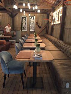 Home Decoration With Paper Craft Public Restaurant, Deco Restaurant, Restaurant Concept, Design Café, Lounge Design, Cafe Bar, Vintage Coffee Shops, Restaurant Interior Design, Vintage Restaurant Design